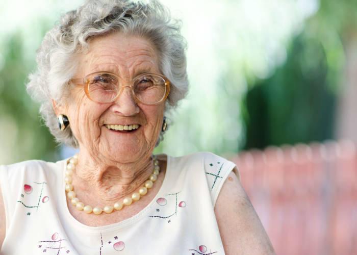 Live in Caregiver, Senior Care, Caregiver, In home Care, adult care, live in care, senior companion